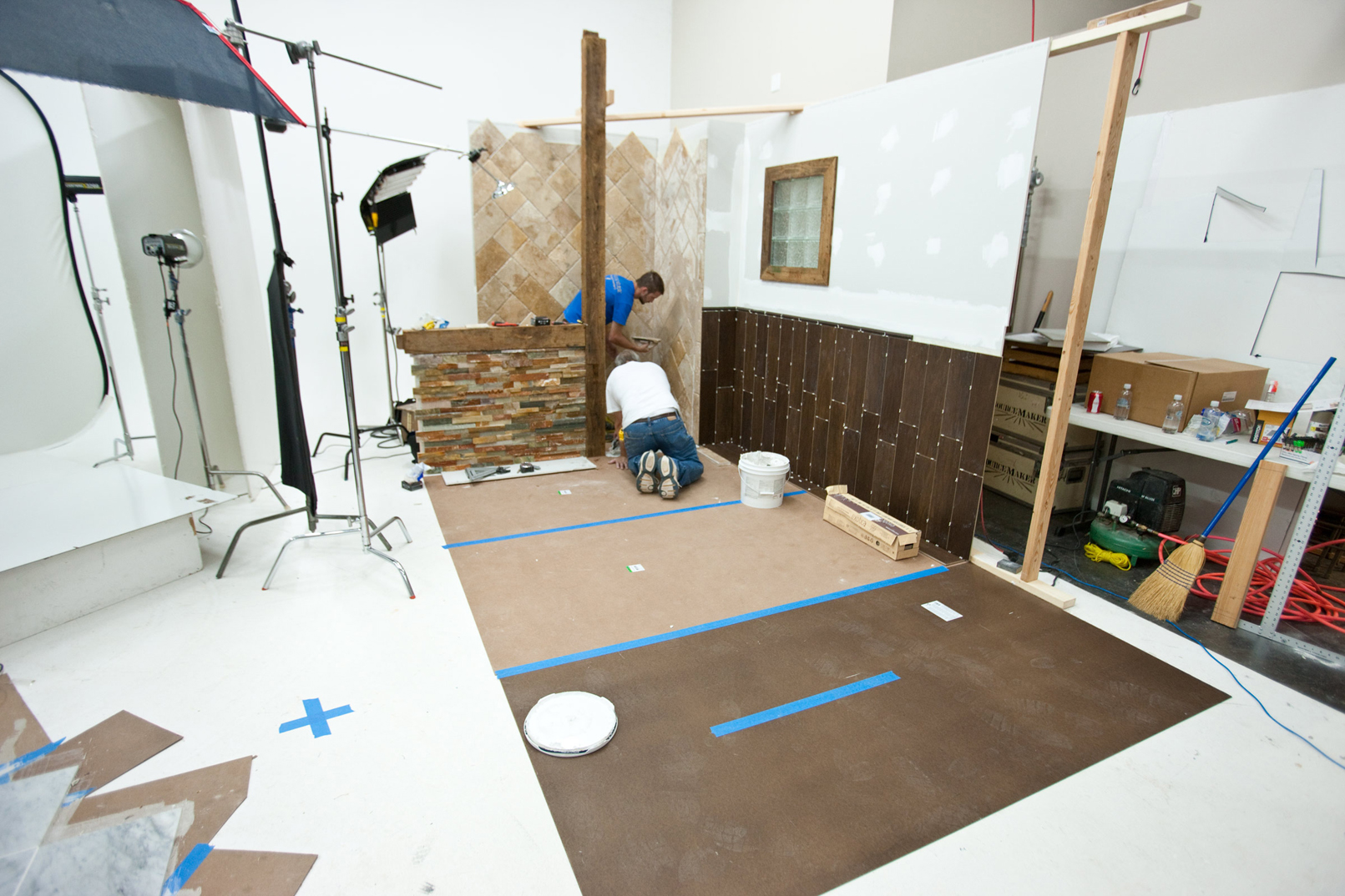 set construction - Floor & Decor
